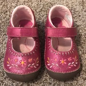 stride rite shoes size 5.5W - pink and brown